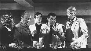 Quel est ce film d'Henri Verneuil qui réunit Belmondo, Ventura et Bernard Blier ?