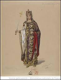 Nièce d 'Hèraclius, elle l'épousa. Veuve , elle eut la langue coupée et mourut en exil.