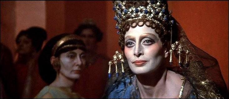 Quel est le prénom de cette impératrice qui fut Basileus et Autocrator des Romains ?