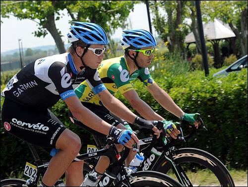 Le coureur de la Garmin-Cervélo qui est au second plan est Murello Fisher. De quelle nation est-il le champion ?