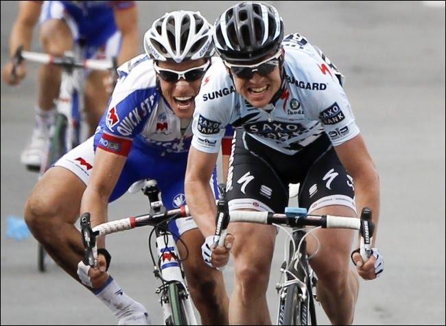 S. Chavanel a échoué d'un boyau sur les routes du Tour des Flandes. Une ultime hésitation de sa part permit au coureur de la Saxo Bank de l'emporter. Qui ce coureur ?