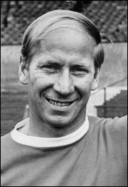 Entre 1958 et 1970, combien de buts Bobby Charlton a-t-il marqué pour son pays ?