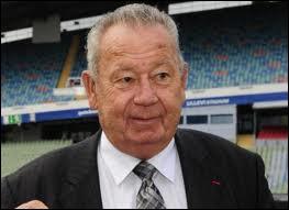 Légende vivante du football français, il aura marqué 13 buts durant la coupe du monde 1958, qui est-ce ?