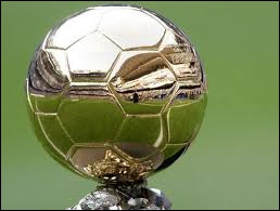 Combien de fois Pelé a-t-il gagné le ballon d'or ?