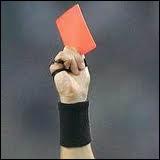 Combien de personnes (de la même équipe), au maximum peuvent recevoir un carton rouge, sans que le match ne soit annulé ?