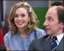 Quel est le nom de la fille du maire dont Andrès est tombé amoureux lors de la saison 2 ?