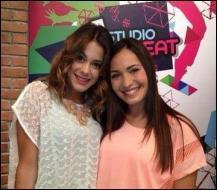 Comment s'appelle cette nouvelle élève de la saison 2 qui pose avec Violetta ?