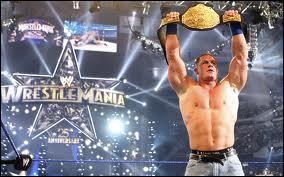 À WrestleMania XXV, John Cena redevient champion en battant Edge et :