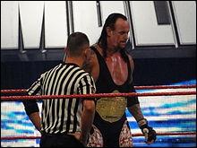Le 04 octobre, The Undertaker gagne le World Heavyweight Championship. Quelle est la particularité de ce match ?