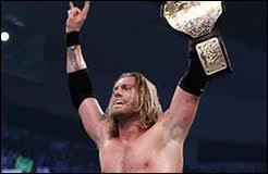 Le 19 décembre, Edge récupère le titre dans un TLC Match. Combien y a-t-il de participants ?