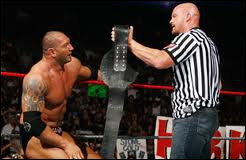 Le 26 octobre, Batista bat Chris Jericho dans un match arbitré par :