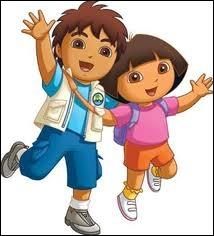 Quel est le nom du garçon qui joue avec Dora ?