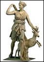 Qui est cette déesse avec ses flèches et sa biche ?