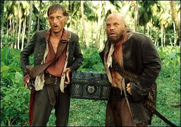 Ils ne se quittent jamais, ils faisaient partie de l'équipage de Barbossa. Ils sont interprétés par Lee Arenberg et Mackenzie Crook. Qui sont-ils ?
