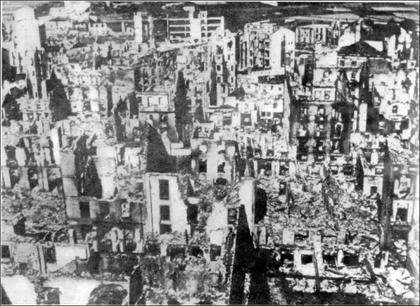 Evénement marquant : Hitler soutient Franco en bombardant entre autres :