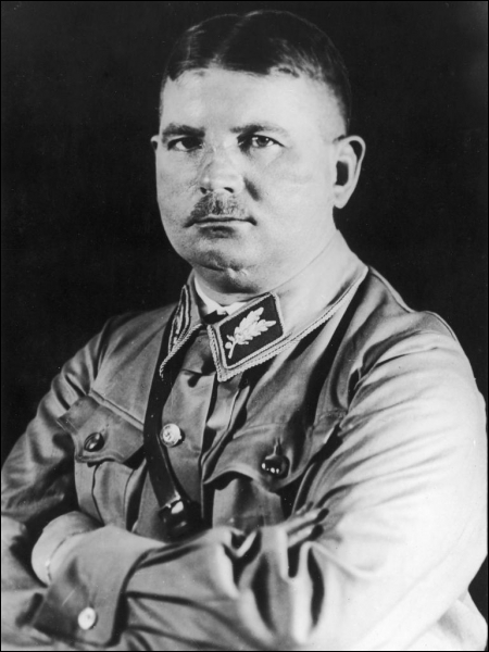 Fondateur des S. A. et éliminé par Hitler lors de la nuit des longs couteaux :