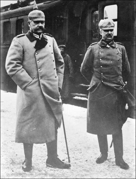 Président de la République d'Allemagne ( à gauche )