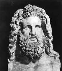 Ce sacrifice était destiné à expier la mort d'Androgée, le fils du roi Minos. Comment s'appelait le roi d'Athènes responsable de son décès ?