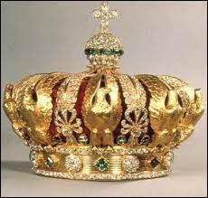 Quel type de monarchie est mis en place sous la Restauration ?