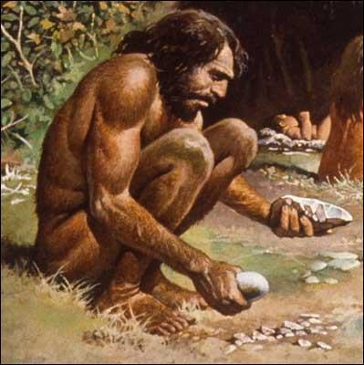 Les hommes préhistoriques allumaient du feu en frottant deux silex.