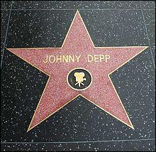 En quelle année Johnny Depp a-t-il reçu son étoile à Hollywood ?