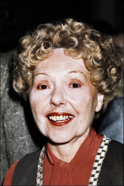 Elle a joué avec beaucoup de grands comédiens tels que Viviane Romance, Fernandel, Bourvil, Jean Gabin, Albert Préjean, Danielle Darrieux, Louis de Funès