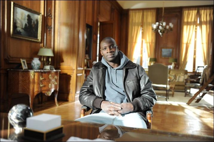 Quel acteur interprète le rôle de Driss, jeune de banlieue qui vient de purger une peine de 6 mois de prison ?