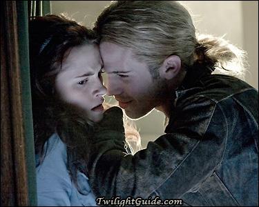 De quoi se sert James pour attirer Bella vers lui ?