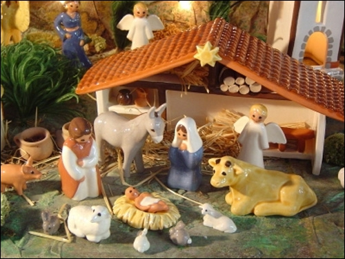 Je suis une représentation du bâtiment où est né Jésus Christ. Quesuis-je ?