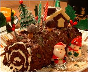Je suis un dessert qu'on ne mange qu'une fois par an, à la période de Noël. Que suis-je ?