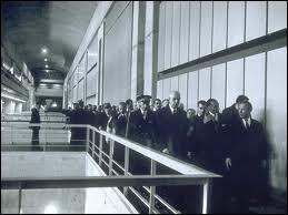 Qu'inaugure le général De Gaulle le 26 Novembre ?