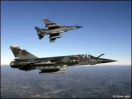 Quel avion de chasse français fait son premier vol inaugural le 23 décembre ?