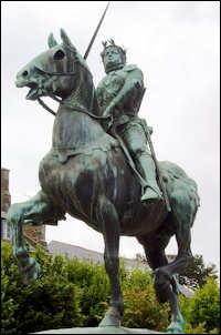 Figure emblématique de la guerre de Cent Ans, Bertrand Duguesclin était originaire de...