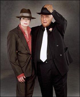 Dans le clip You Rock My World, quel acteur joue aux côtés de Mike et de Marlon Brando ?