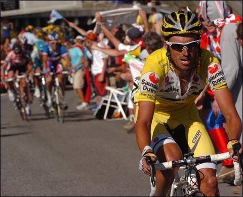 Dans le genre espagnol bondissant, celui-ci a impressionné son monde en 2003, avec une victoire à l'Alpe d'Huez. En 2004, il est annoncé comme un rival du Texan, avant de sombrer corps et biens.