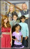 Dans quelle série Disney Channel avait-on pu voir l'acteur qui joue le savant fou ?