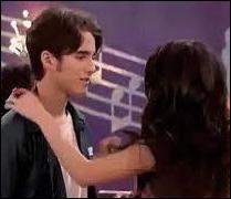 Quel est le nom de son petit ami dans la saison 2 ?