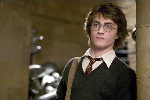 De quel tome vient cette photo de Harry Potter ? (tête levée ! )