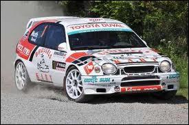 Quelle est cette voiture de légende (pilotée ici par le belge François Duval) ?