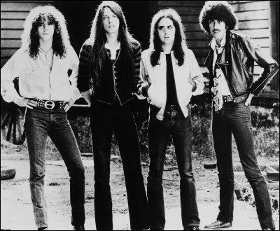 Quelle est la nationalité du groupe Thin Lizzy ?