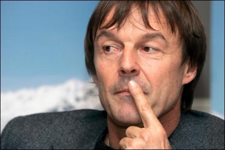 Qu'est-ce qui a poussé Nicolas Hulot à renoncer à se présenter en 2007 ?
