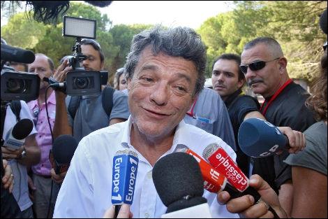 Le 2 octobre 2011, Jean-Louis Borloo a annoncé qu'il renonçait à se porter candidat. En quels termes ?