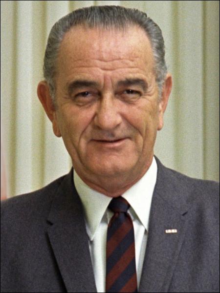 Le 31 mars 1968, en direct à la télévision américaine, Lyndon B. Johnson annonce, à la surprise générale, qu'il ne cherchera pas à obtenir un second mandat. Pourquoi ?