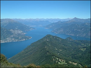 De Virgile à George Clooney en passant par Stendhal de nombreuses personnalités ont apprécié la douceur des rives de ce lac de Lombardie en forme de Y renversé. C'est celui de ...