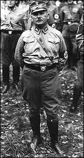 Comment a-t-on appelé la grande purge au sein de ses anciens partisans dont la principale victime fut Ernest Röhm ?
