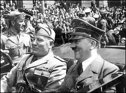 Avec quel dictateur Hitler conclue-t-il l'alliance militaire de l'Axe ?