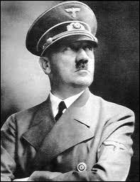 Quel mot signifiant 'guide' en allemand désigne la personne d'Adolf Hitler ( 1889-1945 ) ?