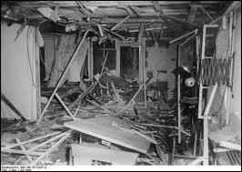 Comment a-t-on appelé l'attentat à la bombe contre Hitler le 20 juillet 1944 visant à renverser le régime nazi ?