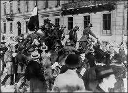 Comment a-t-on appelé la tentative de coup d'Etat ratée qui a conduit Hitler en prison en 1923 ?