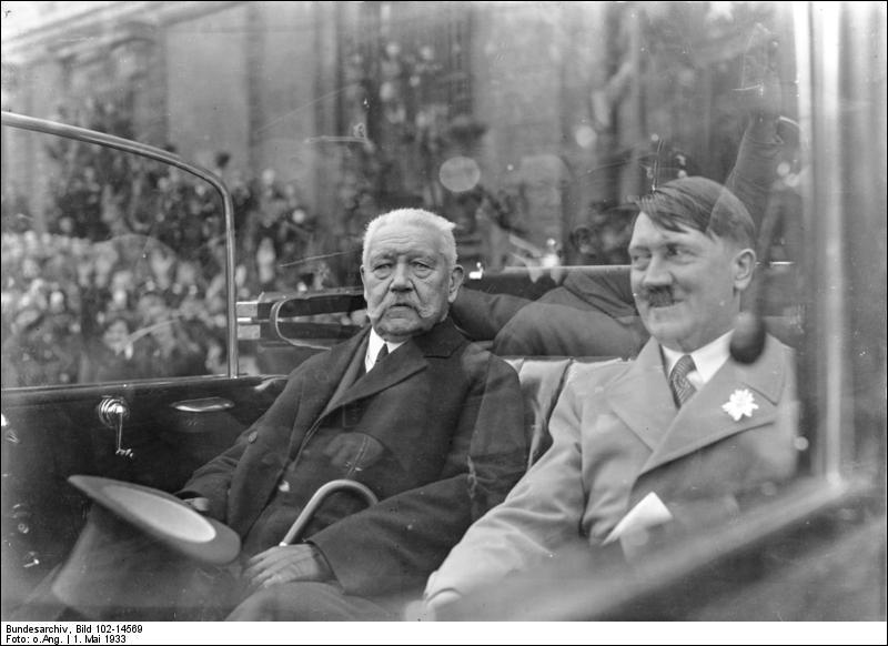 Quel président de la République le nomme chancelier après la victoire du parti nazi aux législatives de 1933 ?